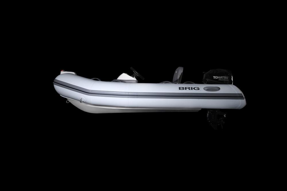 Sportboot mit schlauch brig