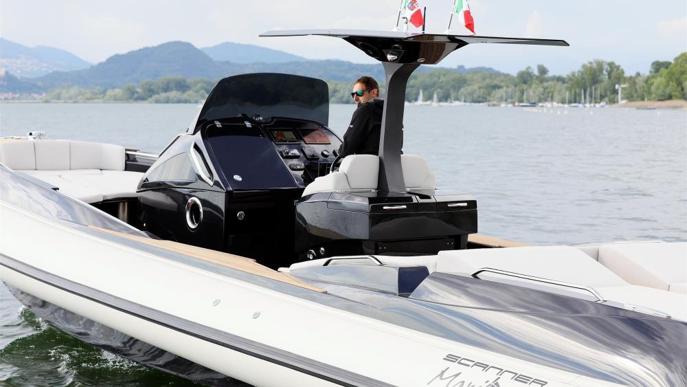 Festrumpfschlauchtboot aus italien envy 1100