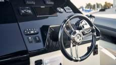 Rib mit cockpit konsole steuerrad